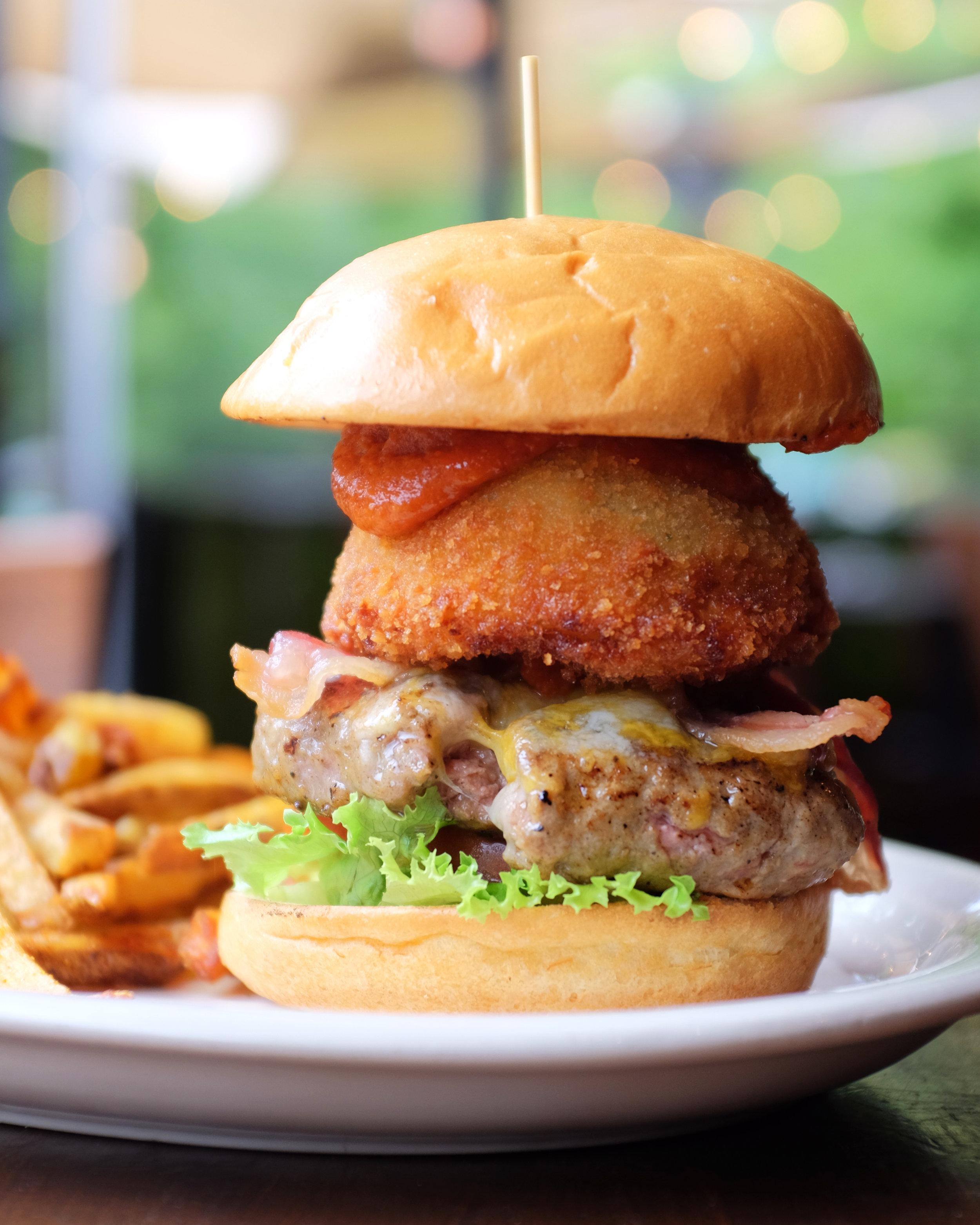 Steakhouse Burger 1.JPG