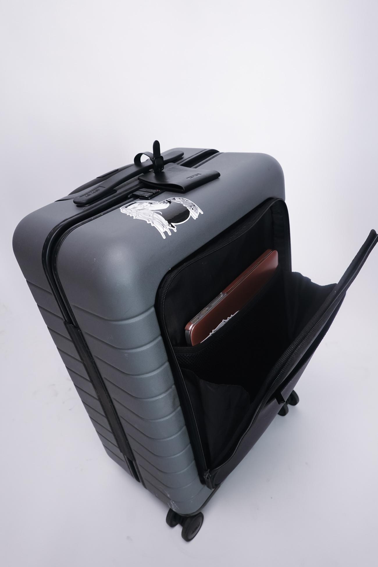 makeup suitcase cristina pilo-14.jpg