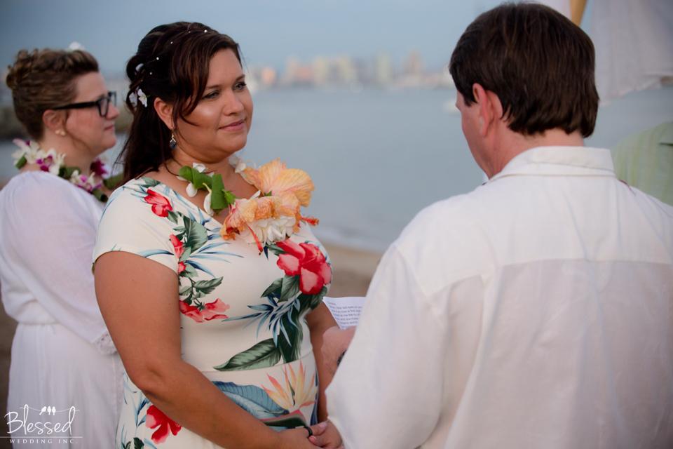 Hawaiian wedding photography