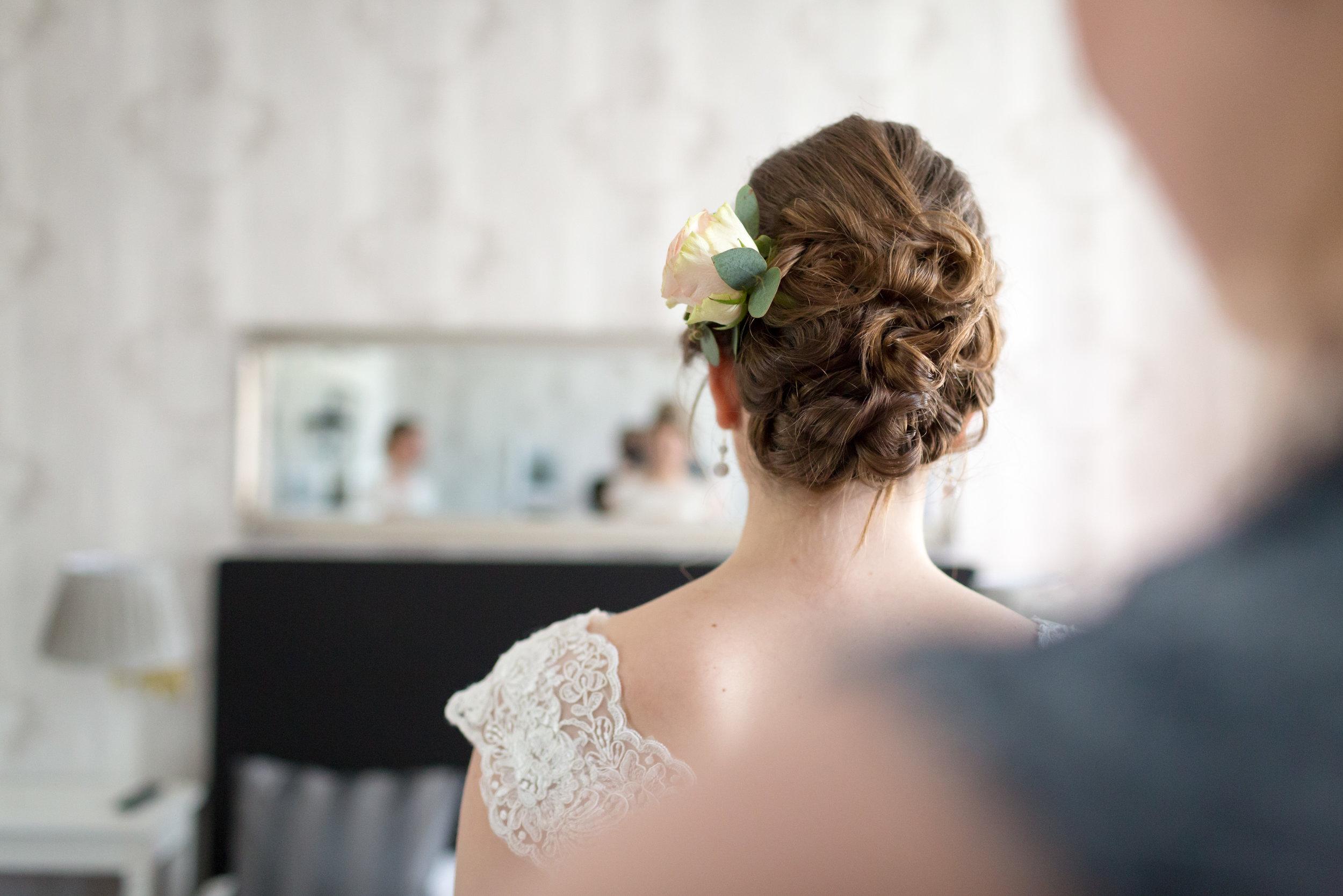 Destination Wedding Pictures of Wedding Hairdo