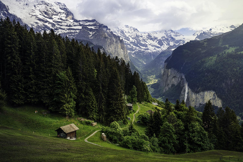 lauterbrunnen Switzerland hut valley alps Swiss