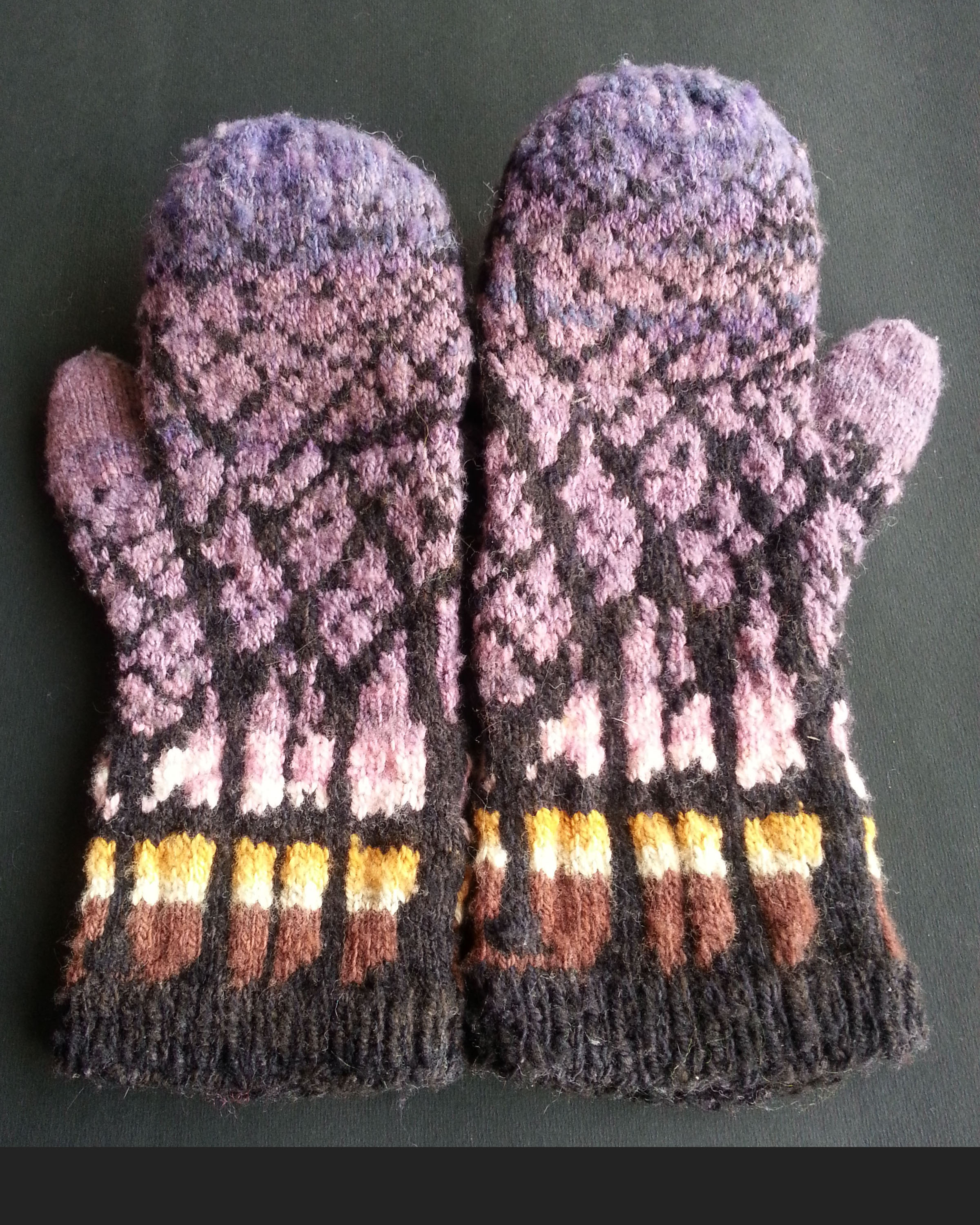3 – Gloves using the dyed yarn to match the photograph