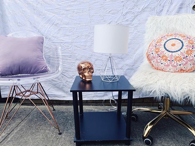 """Happy Friday 😁 There's 22 days left until these super chic chairs are for sale in addition to the lamp and side table pictured 👍💥 More info about the sale is in our """"Sale 19"""" Instagram highlight!"""