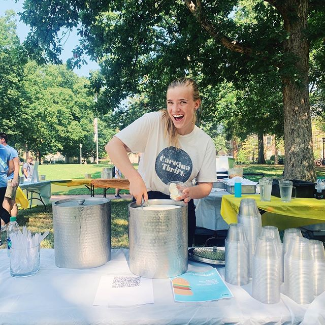 We're on the quad until 2 handing out ice cream to people who follow @innovatecarolina! Come swing by to learn more about Carolina Thrift and other entrepreneurial organizations on campus 😋☀️🍦