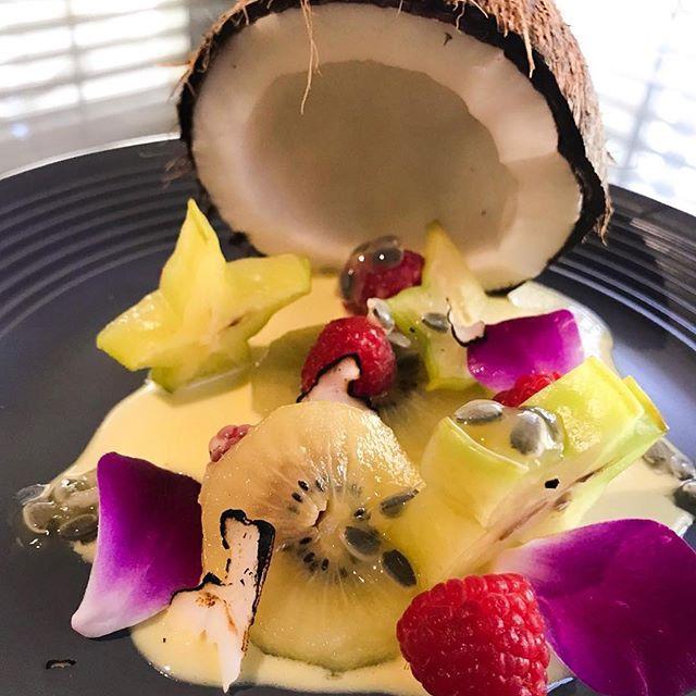 Fruit Salad: kiwi, star fruit, passion fruit, raspberries, burnt coconut, coconut custard . . . . . #foodporn #chef #passion #myroundplate #cheflife #idoitcauseiloveit #chefhatco #justcallmechef #chefstalk #MEEchef #chefstalkapp #deliciousness #truecooksstreetteam #truecooks #mecookmeeat #goodfood #plating #eatbermuda #justeat #  #chefjae #bermylife @chefraeven @bermyfoodguyjae
