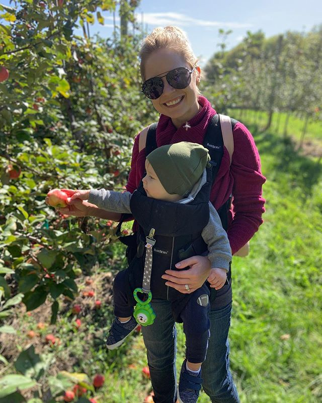 Was the most beautiful day today 🙌 loved spending it with best friends and my little one🥰🥰 #appleorchard @kate.iverson