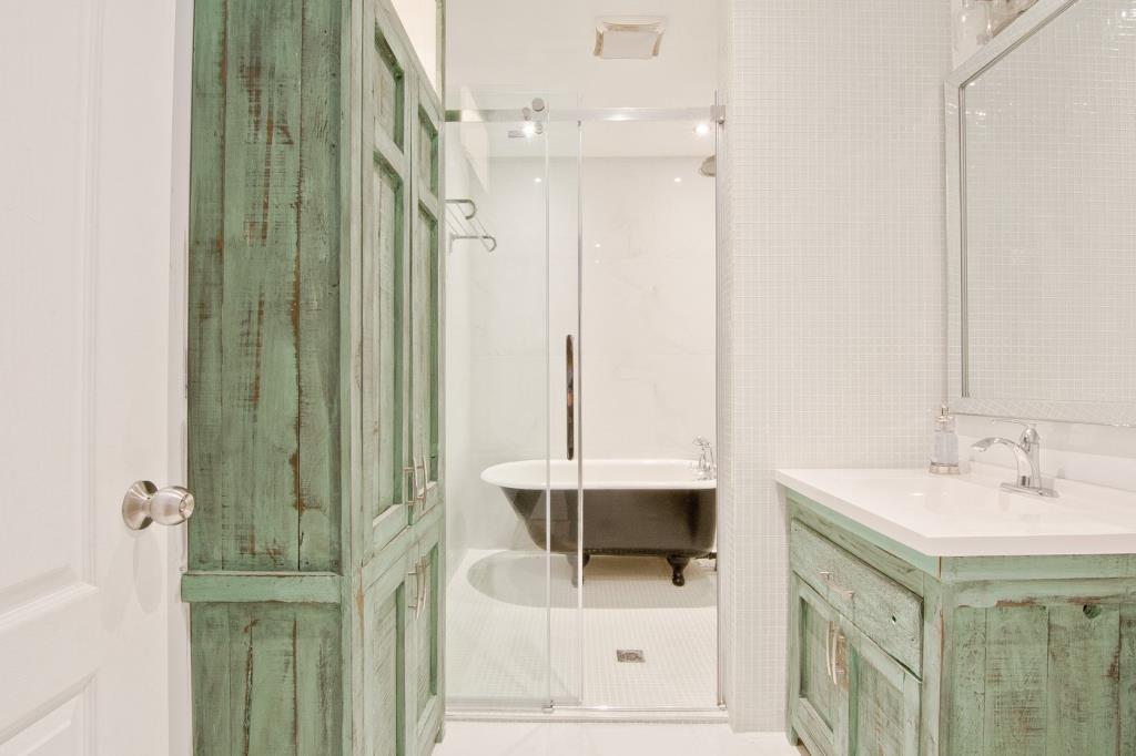 rudesign-condo-estrie-salle-de-bain.jpeg