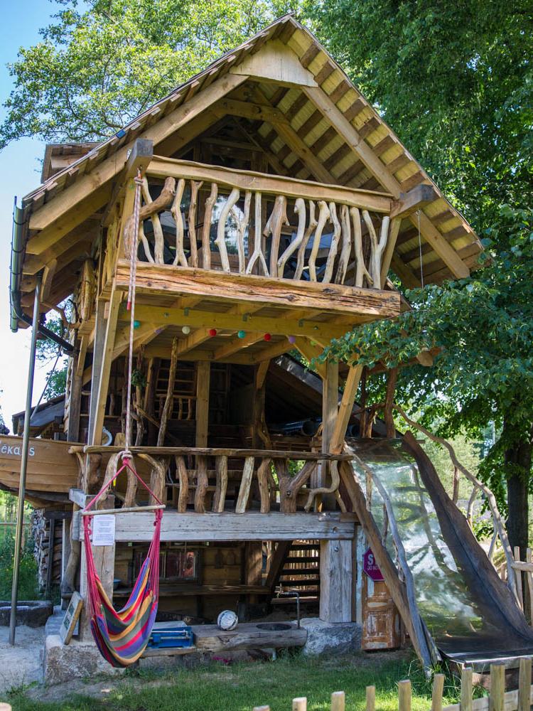 LABIE-KOKI-konstrue-playhouse for children