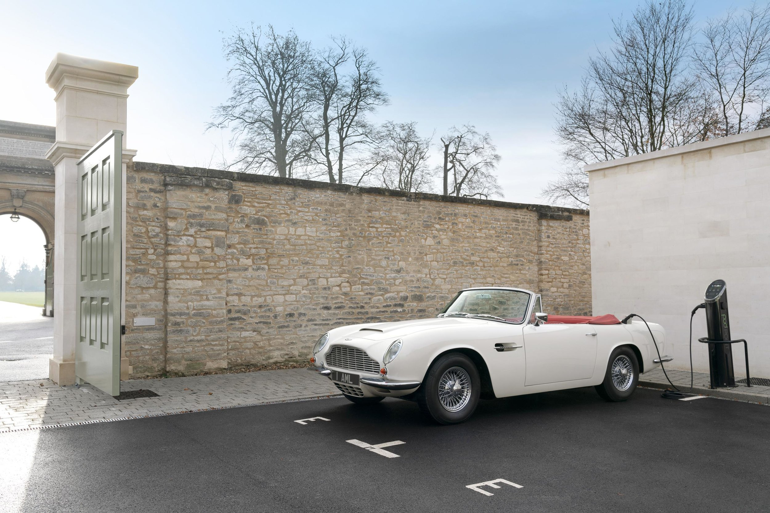 Aston-Martin-DB6-EV-1.jpg