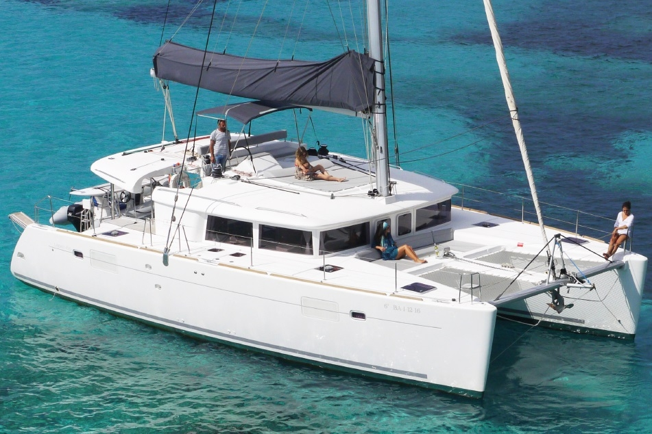 LAGOON 450 - Capacity: 10 | From €1440
