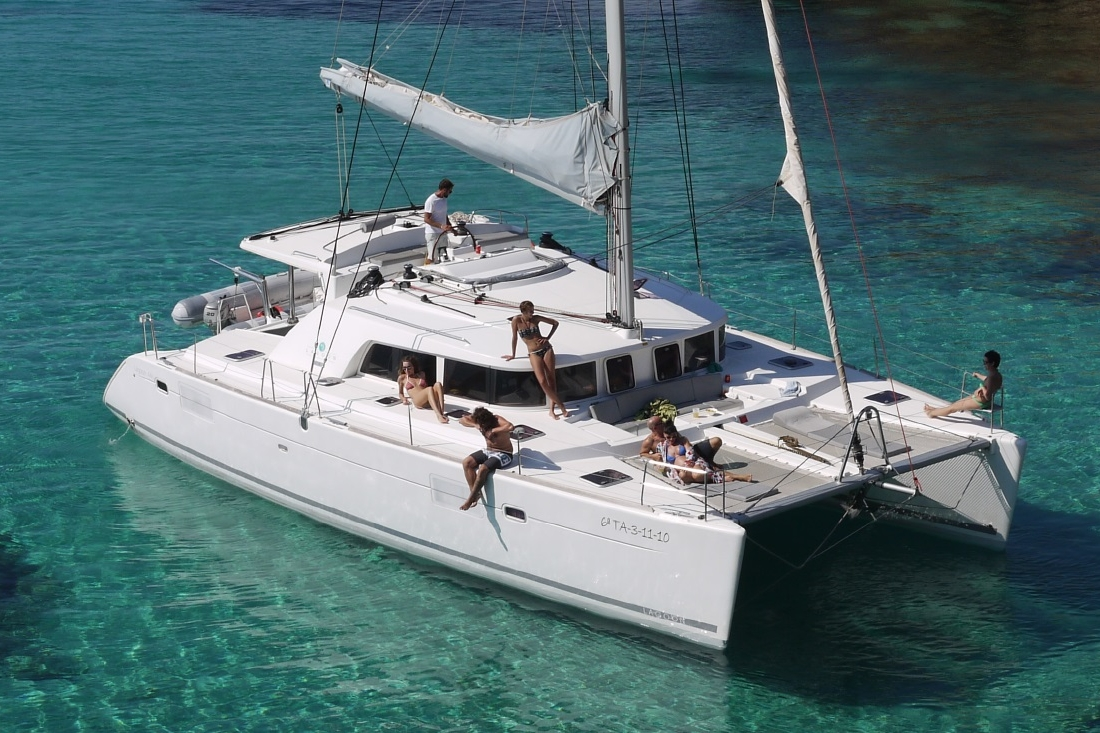 LAGOON 440 - Capacity: 10 | From €1290