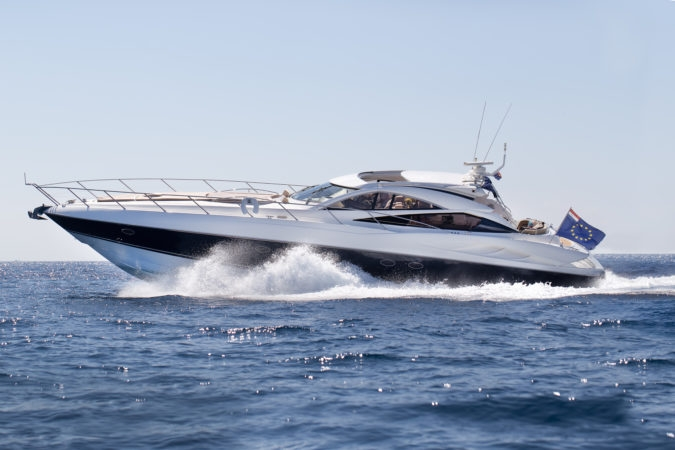 SUNSEEKER PREDATOR 68 - Capacity: 12 | From €3750