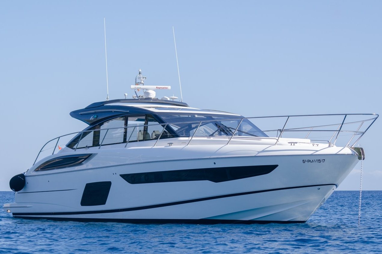 PRINCESS V58 - Capacity: 10 | From €3125