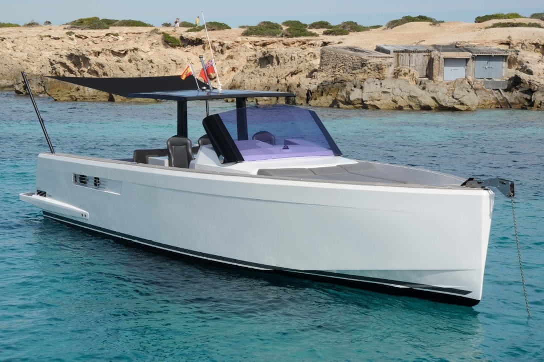 FJORD 40 - Capacity: 11 | From €1500