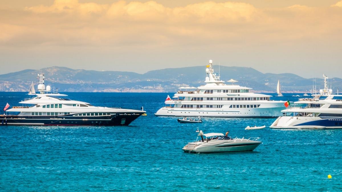 Mega Yachts Ibiza