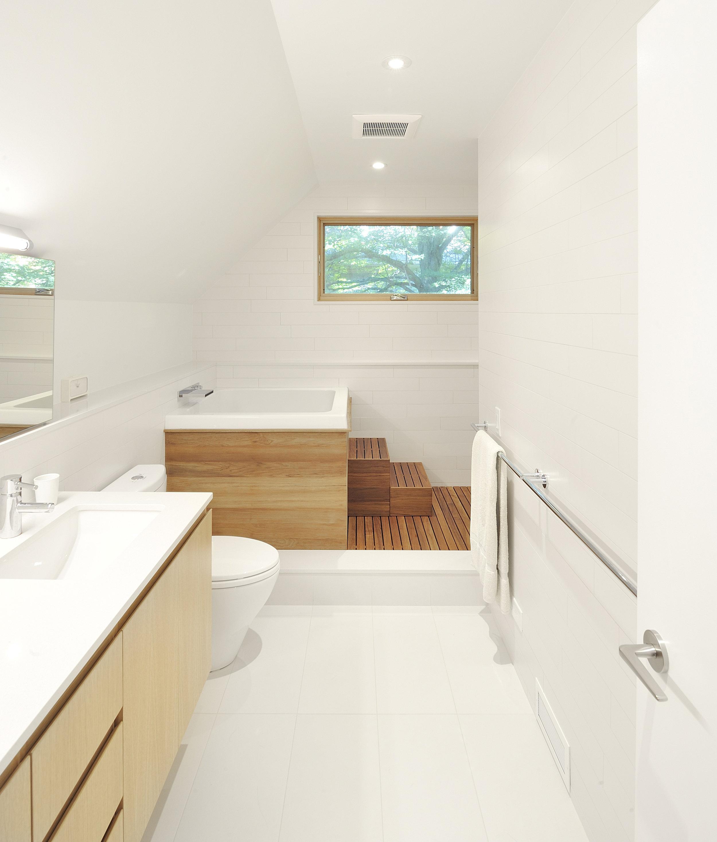 Hoggs Hollow Interior Bathroom