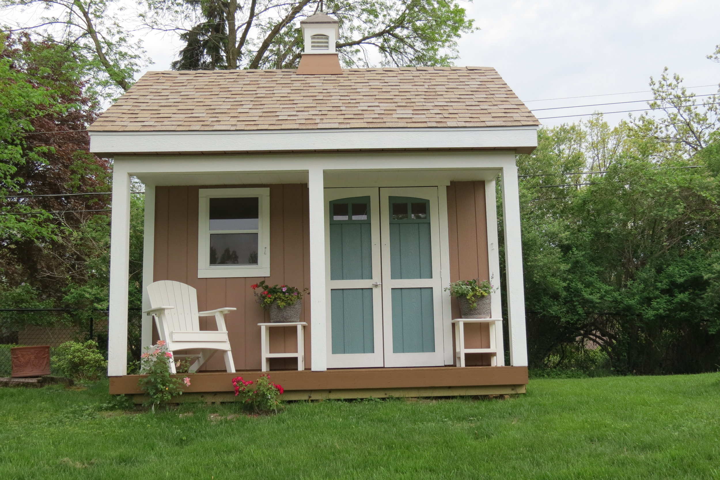 12x12x12 Gable Deluxe w/ Porch