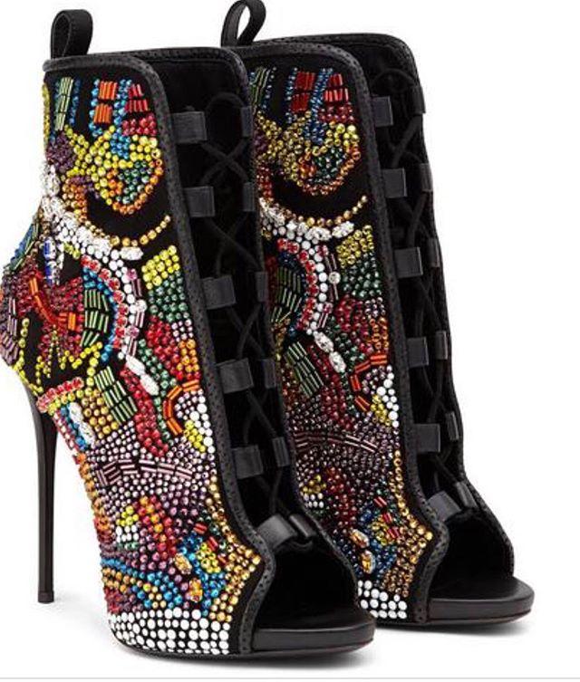 Details 🔥  #heels #guiseppezanotti #dope #designer #fashionaddict #shoesaddict #summerfashion #styleblogger #fashioninspo #fashionstylist #personalshopper #imageconsultant #stylednreddapproved