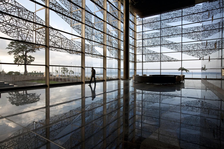 Sipopo Congress Center, Malabo, Equatorial Guinea  - Courtesy of Emre Dorter/ Tabanlioglu Architects  and  Arch Daily