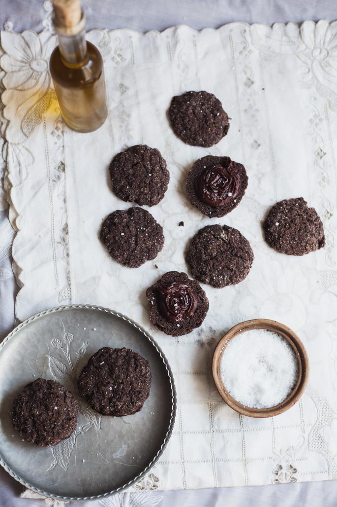 double chocolate olive oil sea salt sandwich cookies (vegan, gluten free) | recipe via will frolic for food