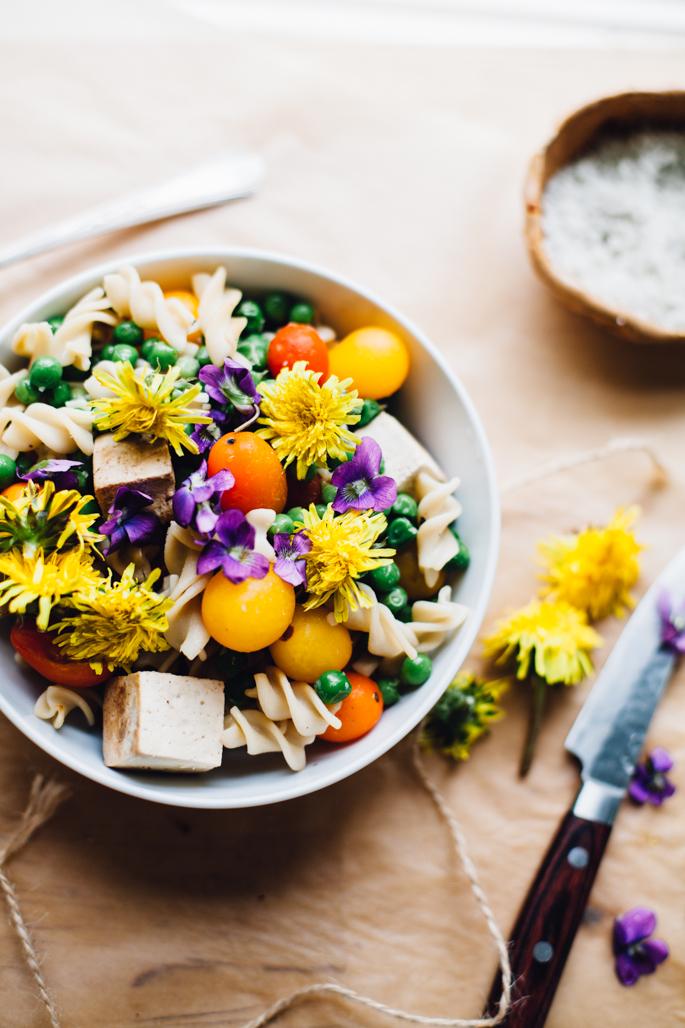 pea-wild-flower-pasta-goji-tahini-sauce-gluten-free-vegan-0072.jpg
