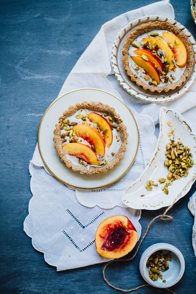 vegan nectarine pistachio yogurt tarts | plus a recipe for DIY probiotic coconut yogurt | recipe via willfrolicforfood.com