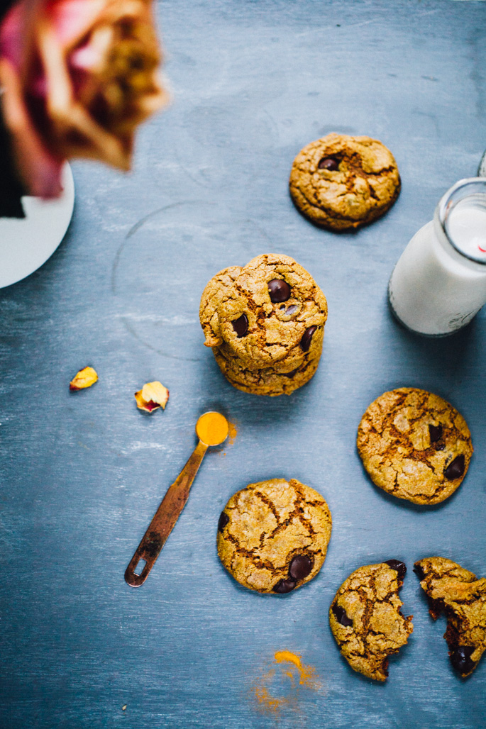turmeric-teff-cashew-butter-cookies-chocolate-chip-recipe-9087.jpg