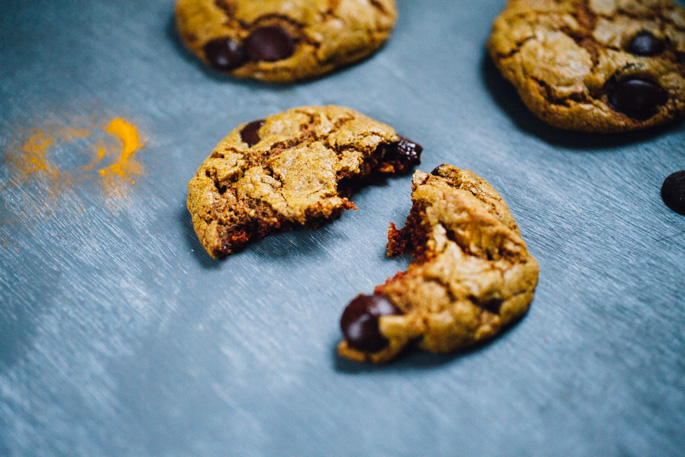 turmeric-teff-cashew-butter-cookies-chocolate-chip-recipe-9095.jpg
