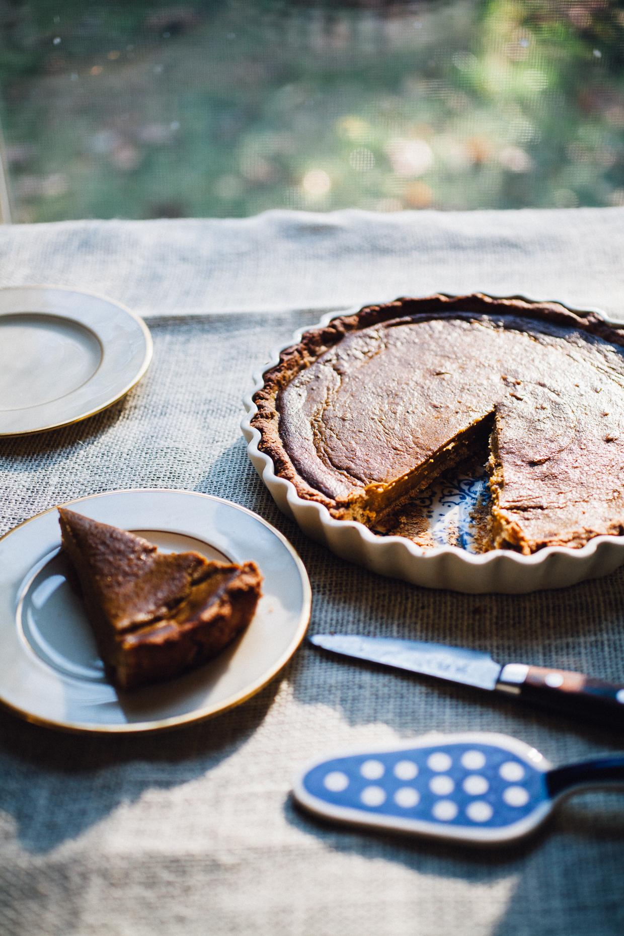 high vibe pumpkin pie | gluten free & vegan real food recipe via willfrolicforfood.com