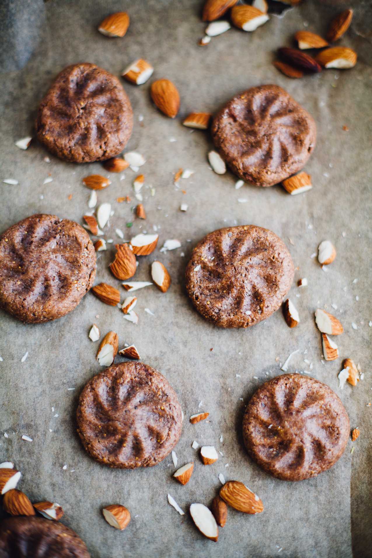 fig cocoa almond cookies! vegan and gluten free recipe via willfrolicforfood.com