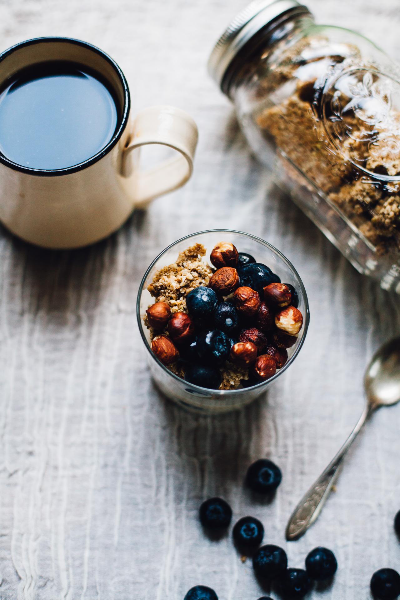 grain-free buckwheat sunflower seed granola (vegan) | recipe via willfrolicforfood.com