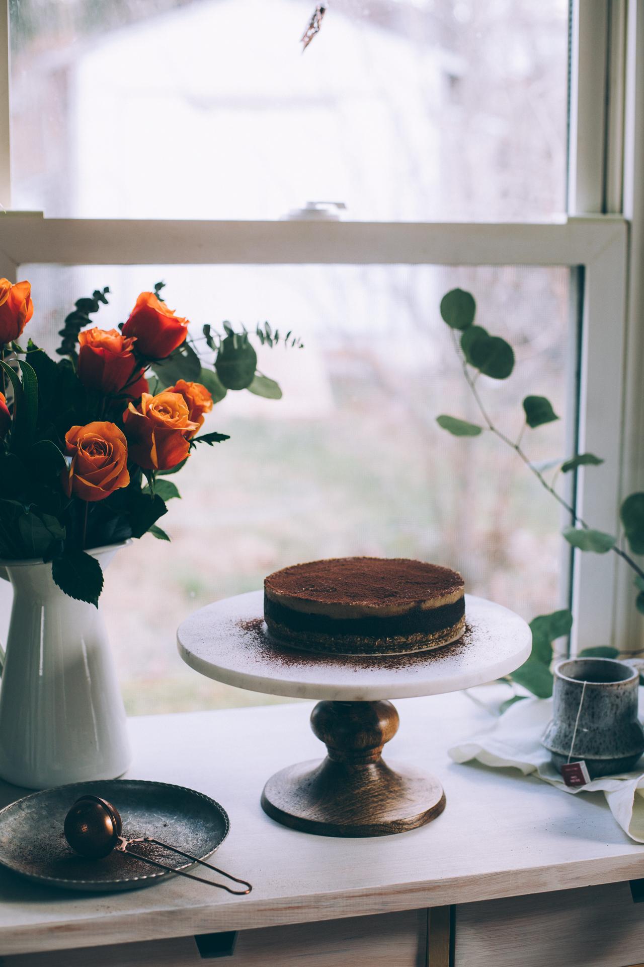 raw-vegan-chocolate-cashew-caramel-cake-7088.jpg