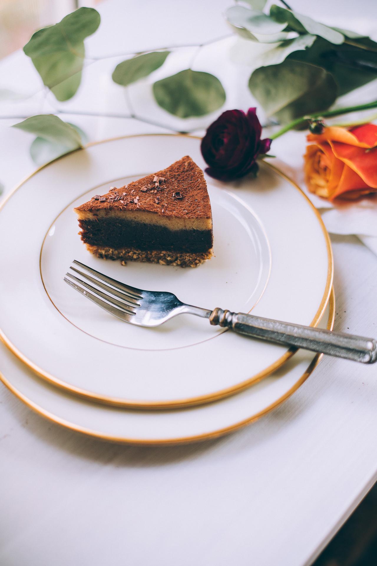 raw-vegan-chocolate-cashew-caramel-cake-7218.jpg