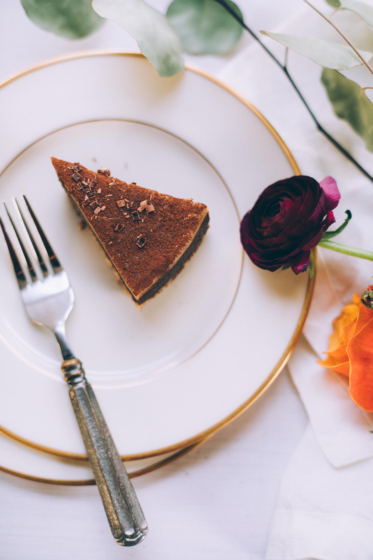 raw-vegan-chocolate-cashew-caramel-cake-7224.jpg