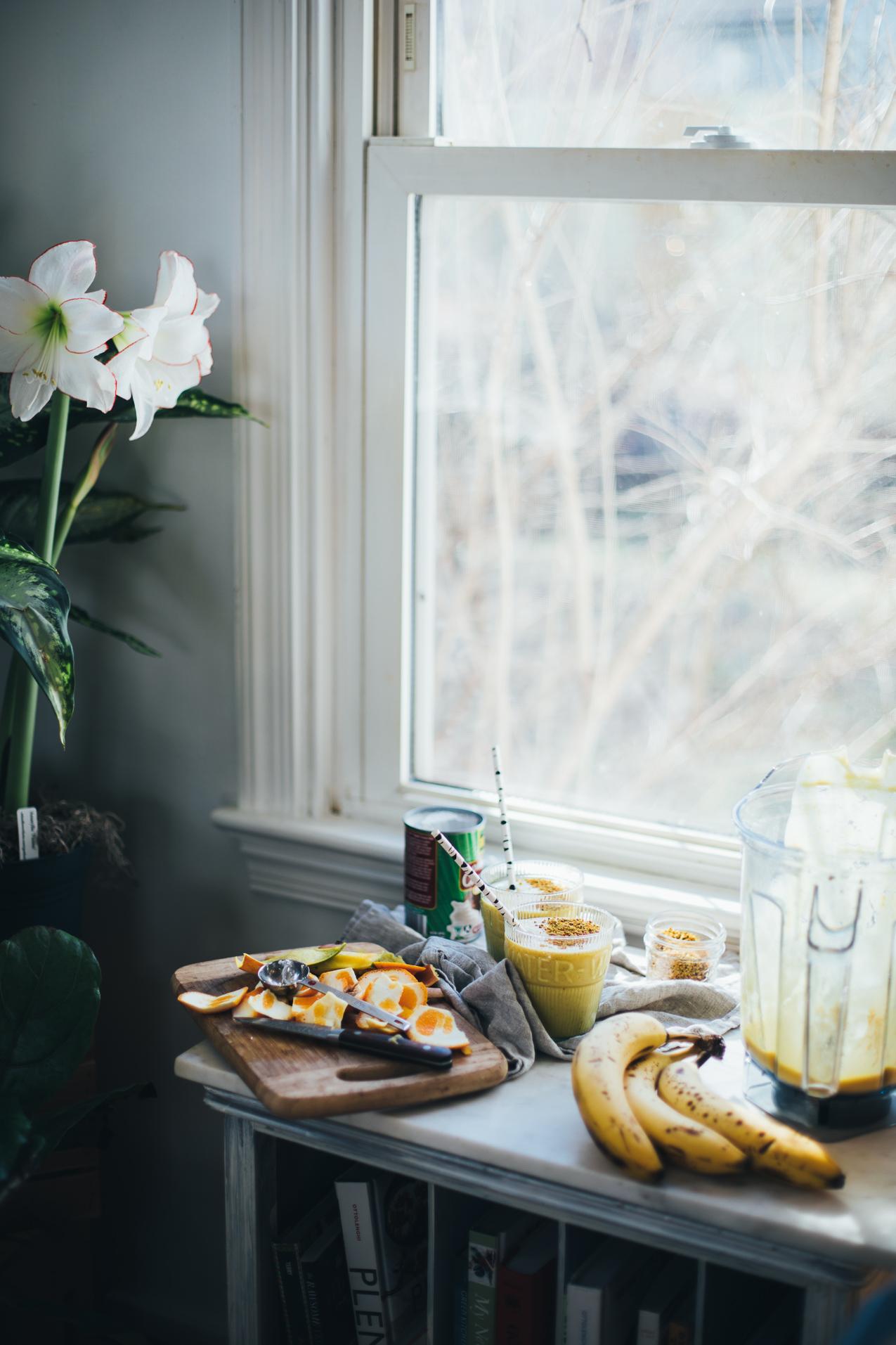 mango-turmeric-smoothie-bee-pollen-0293.jpg