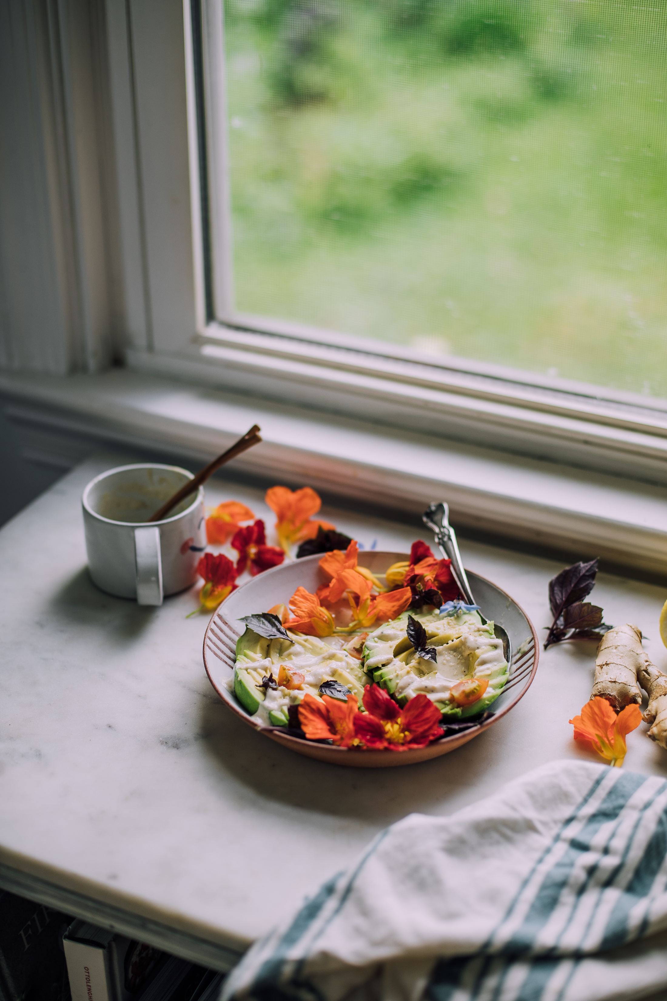 avo-salad-ginger-miso-dressing-0817.jpg