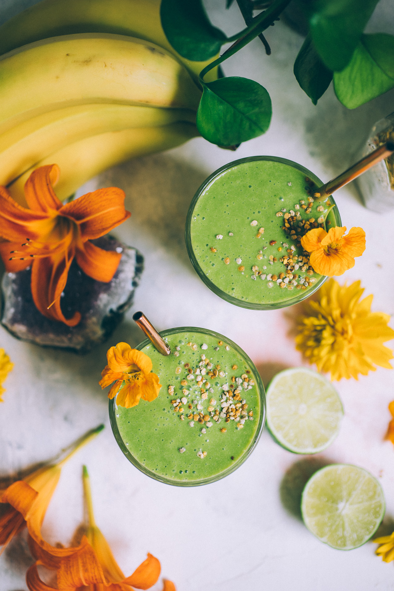 green-a-colada! a pineapple coconut kale smoothie | green smoothie recipe with pineapple | yummy green smoothie | will frolic for food