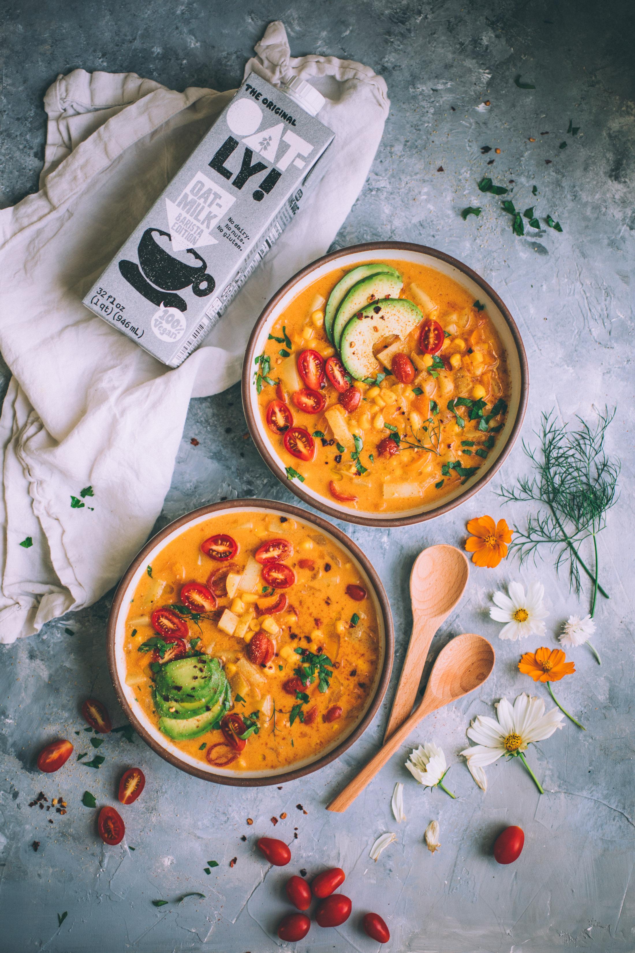 simple summer corn chowder (dairy free) recipe via willfrolicforfood.com