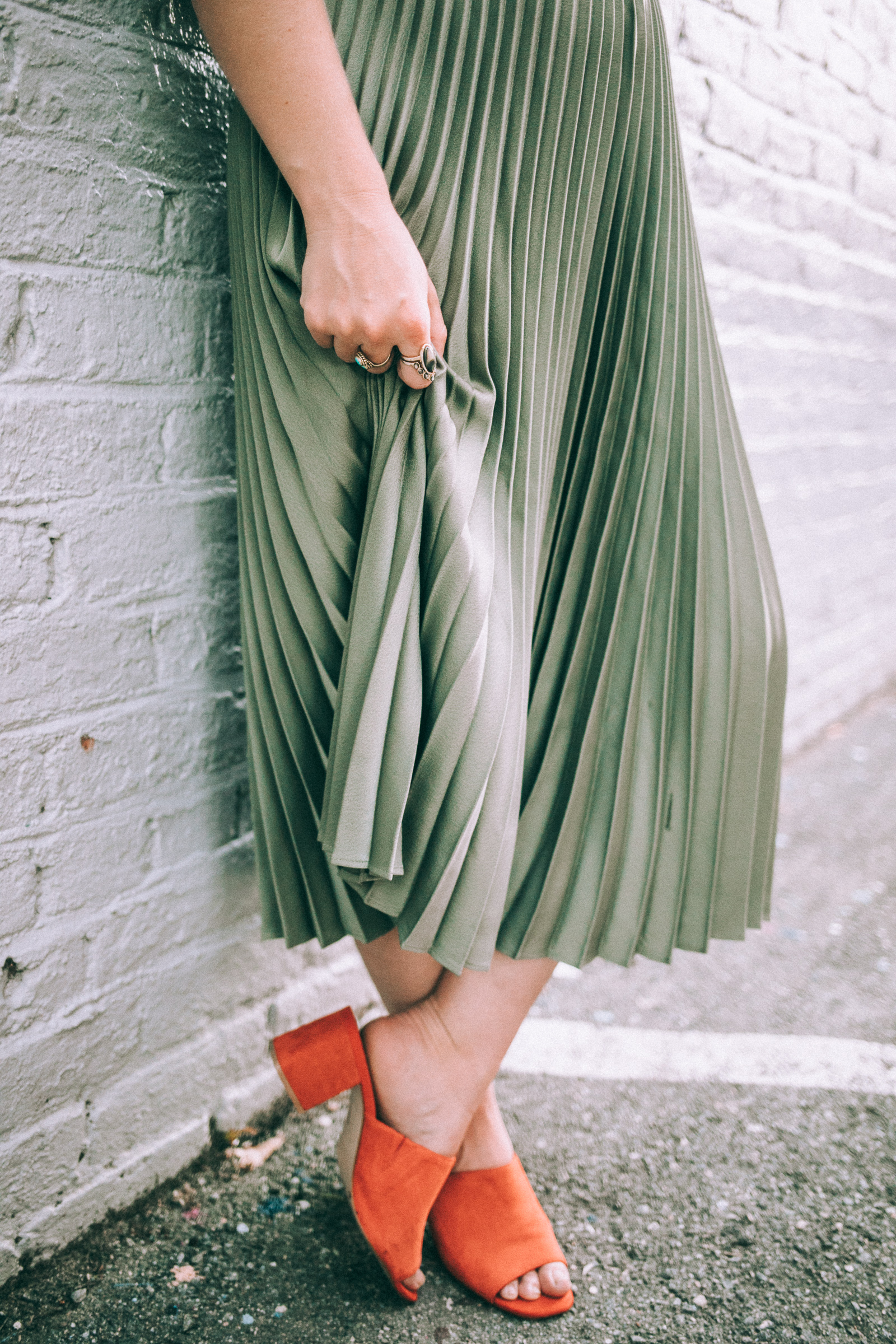 olive pleated skirt and vintage tee -- ice cream shop style via willfrolicforfood.com