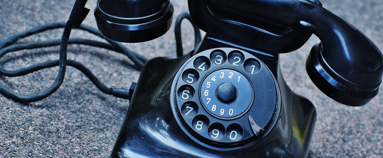 phone-old-year-built-1955-bakelite-163008 (1).jpeg