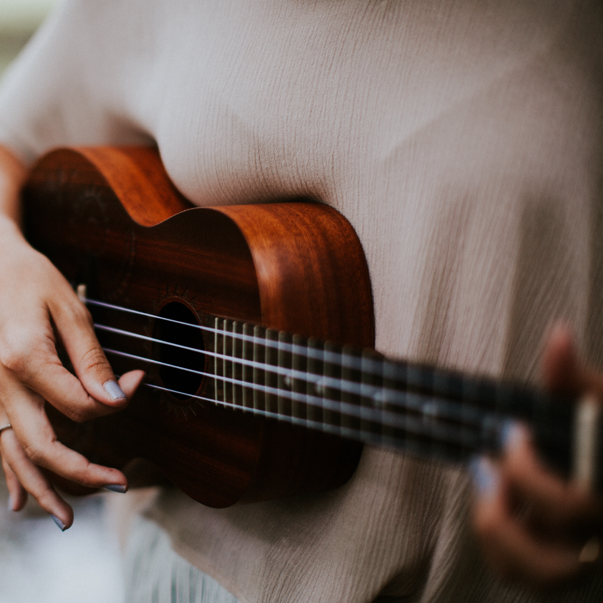 conversations with ukulele players - Move over, guitar - everyone is playing the ukulele! But what is it about this little instrument that has us all hooked?We talk to the people who play to find out why they love the ukulele.