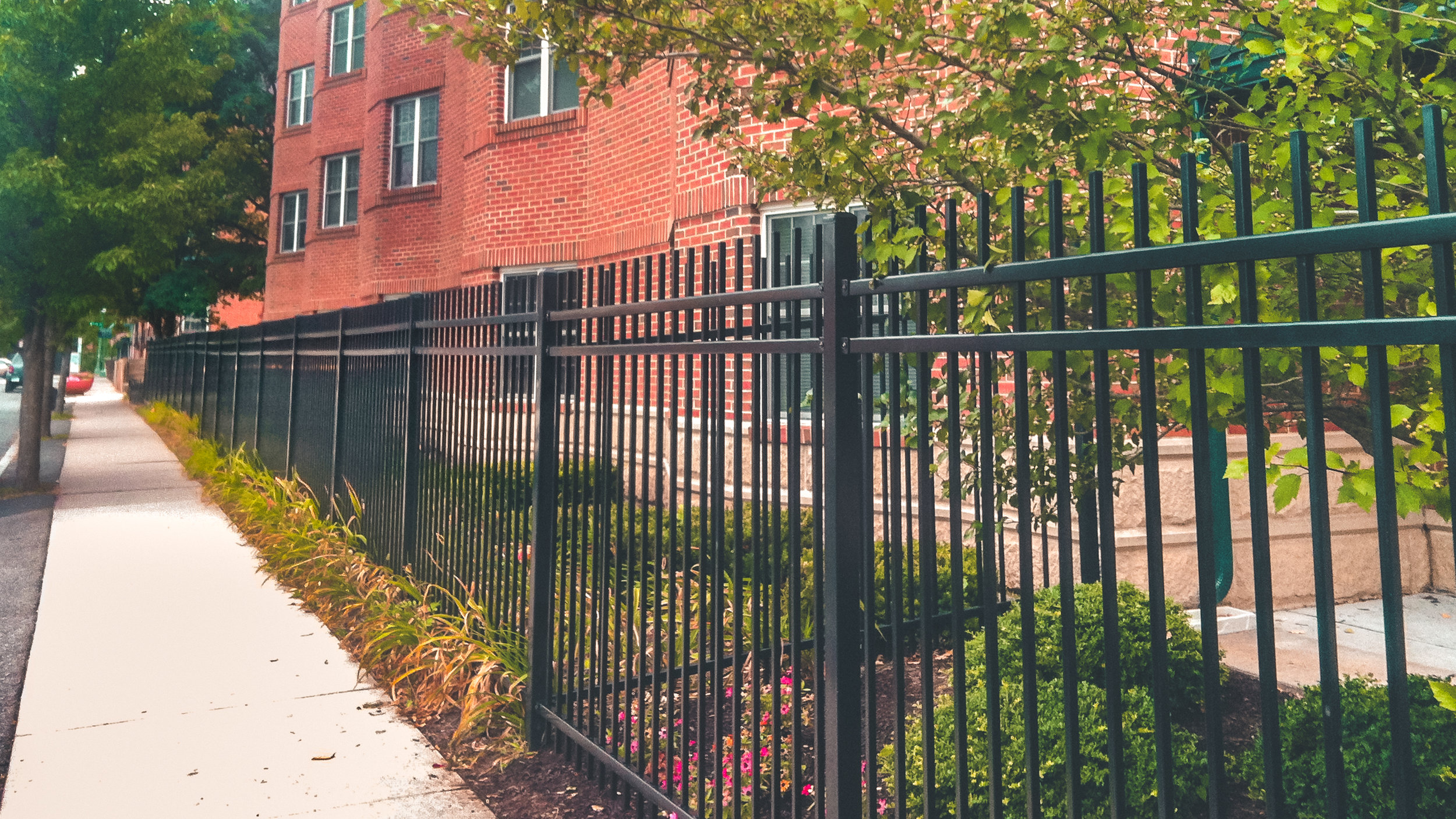 hartford-fence-company-commercial-steel-fence-black.jpg