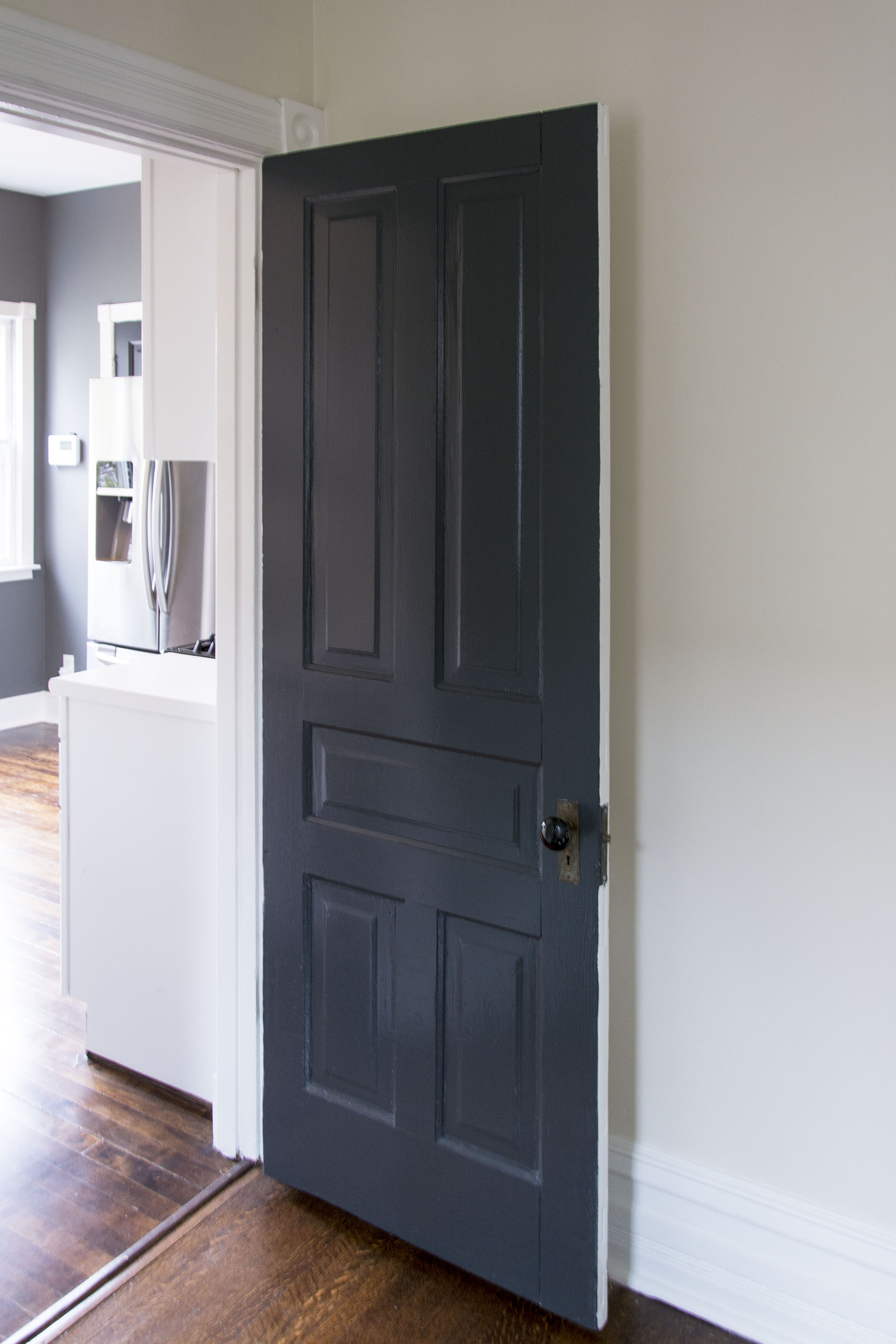 Kitchen Doors: Benjamin Moore Graphite 1603