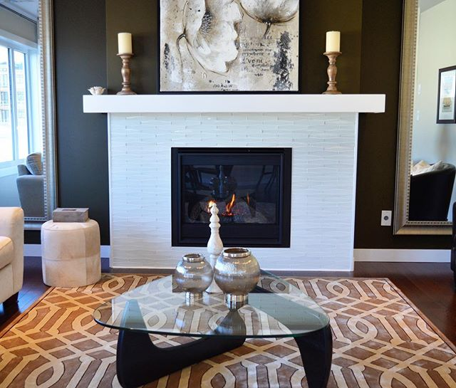 We have noticed that fireplace area is often overlooked in painting plan. This is a great place which can be distinguished by contrasting colors, interesting patterns and decor so don't waste its potential! ✨ —————————————————————— #bluedoorpaintinginspiration #fireplace #fireplacedecor #livingroom #livingroomdecor #chicagopainter #chicagobusiness #chicagocontractor #interior #interiors #interiordesign