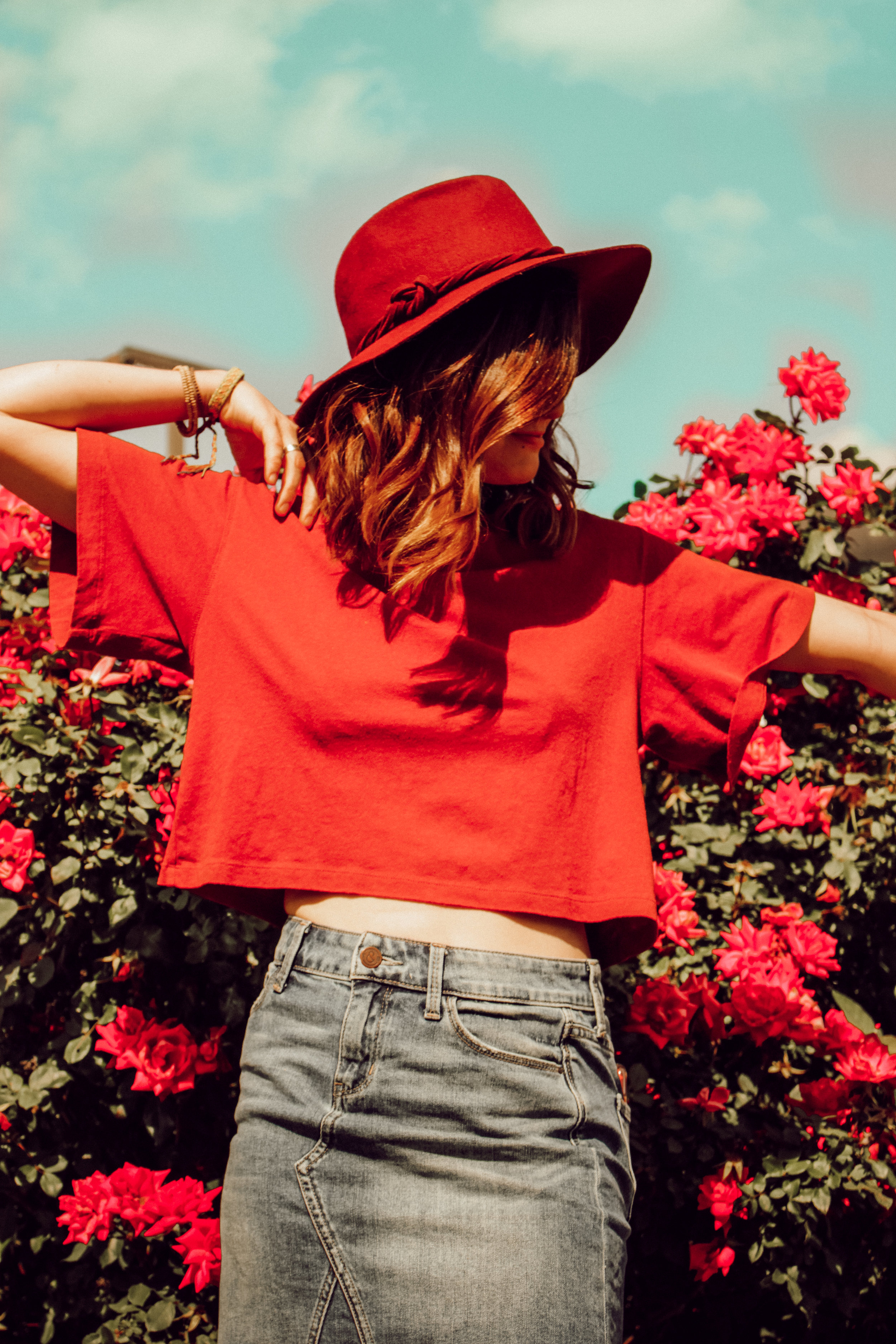Distressed Jeans // How to // Style Tips // Summer // Bohemian Fashion // Blog // Adventure // Free People // Shoes