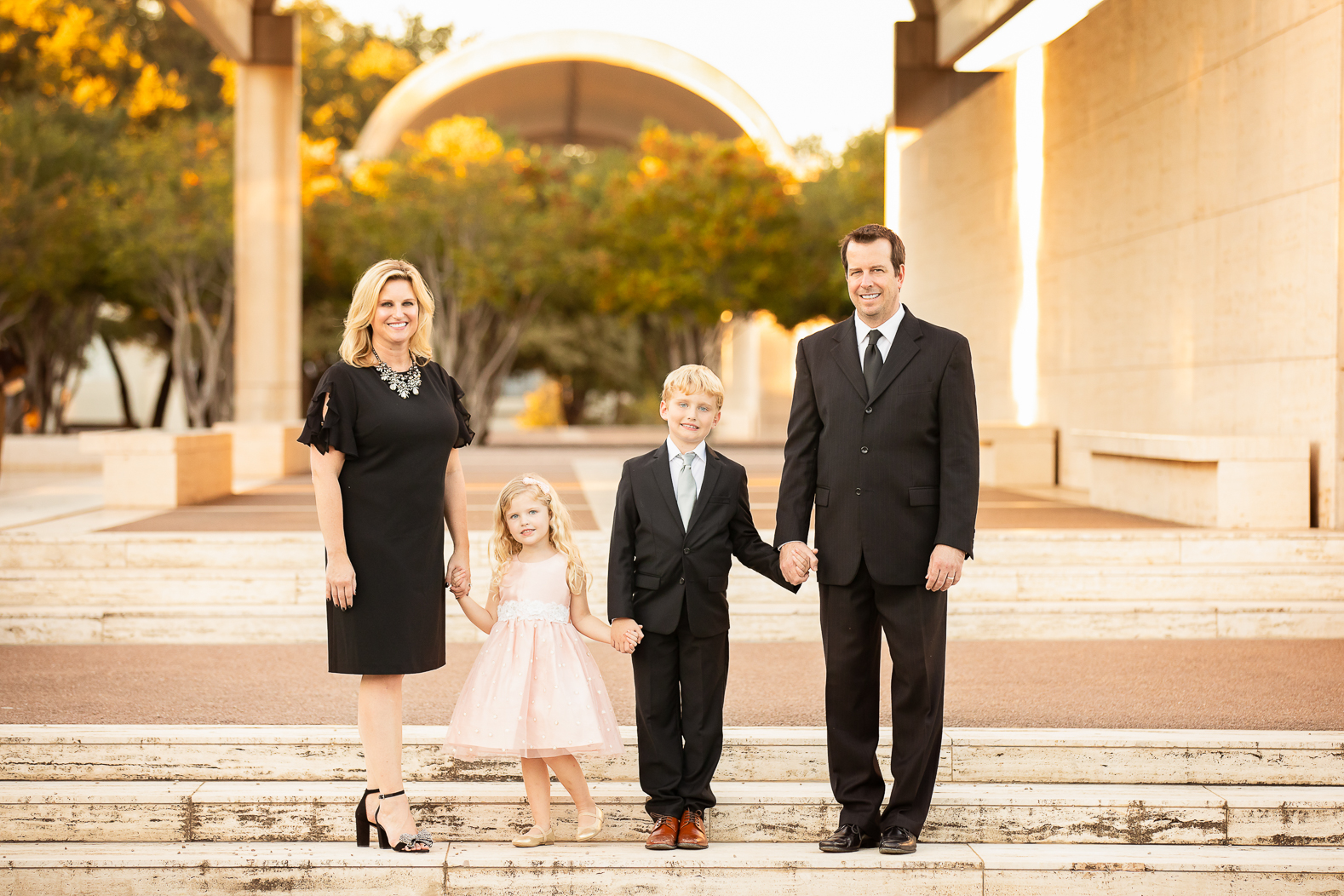 Dallas Fort Worth Family Photographer Kimbell Art Museum