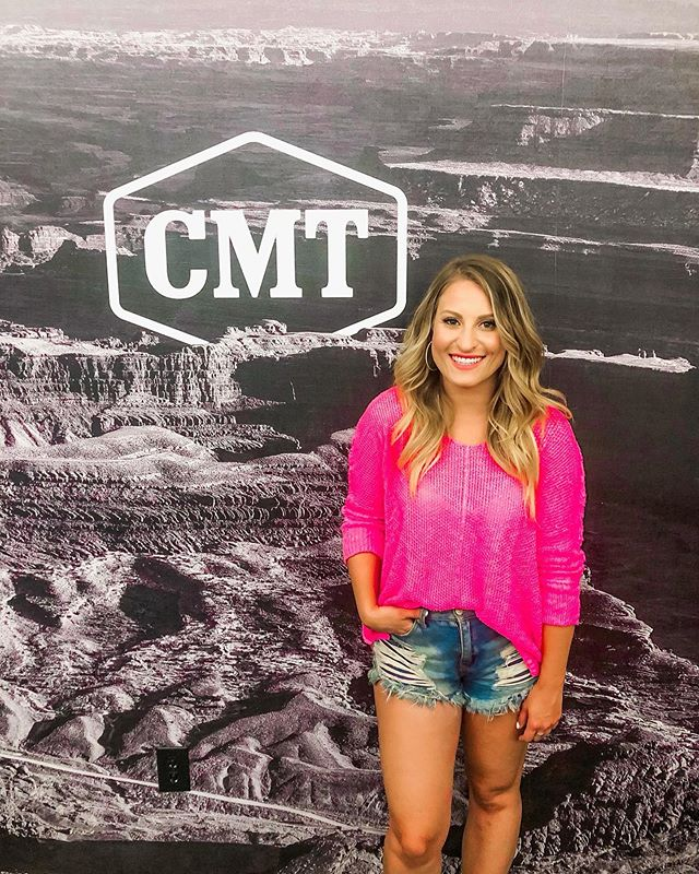 Stopped by @CMT today to catch up and show them my next music video!! Big thanks to the incredible @lesliefram1, @stacecato and the entire team for having me and supporting my music! 🎥🎥