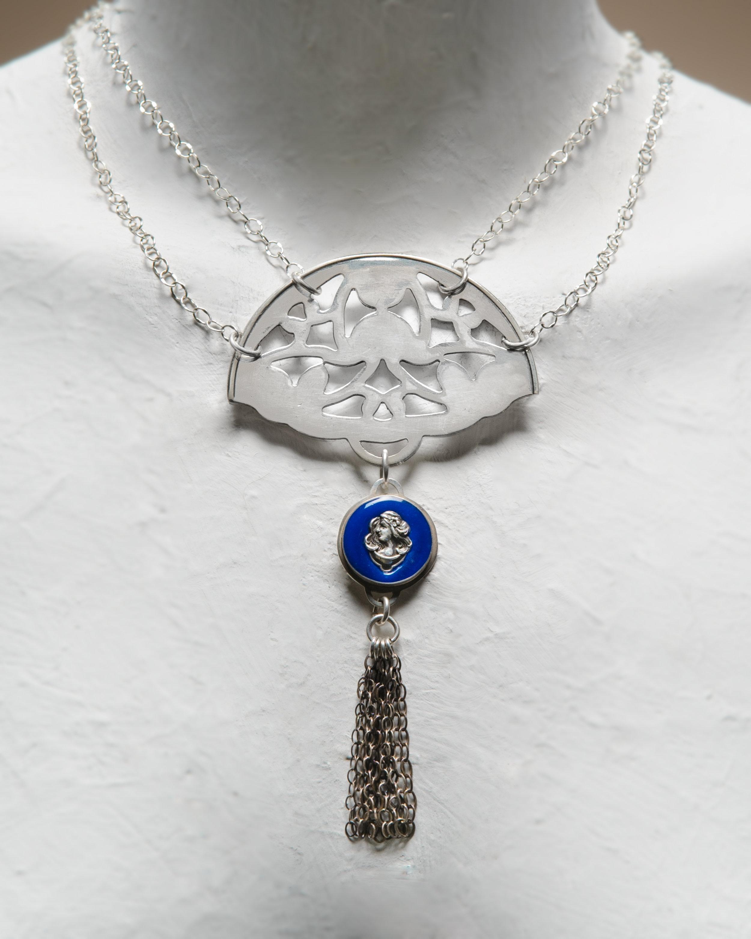 Necklace Blue Belle.jpg