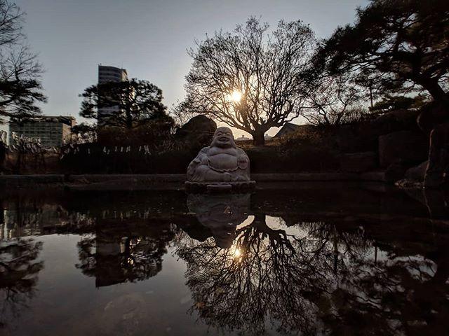 Budai 26-March-2019 #laughingbuddha #hotei #putai #podaehwasang #포대화상 #statue #buddhism #pond #reflection #korea #temple #meditation #shotonmoment #pixel3 #snapseed