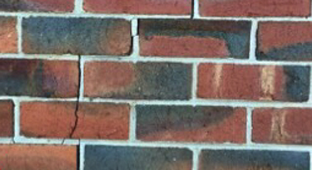 Settlement cracking in brickwork